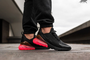 Nike Air Max 270 Hot Punch 1