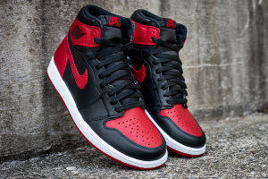 "Кроссовки Nike Air Jordan 1 RETRO HIGH OG ""BANNED 2016 RELEASE"""